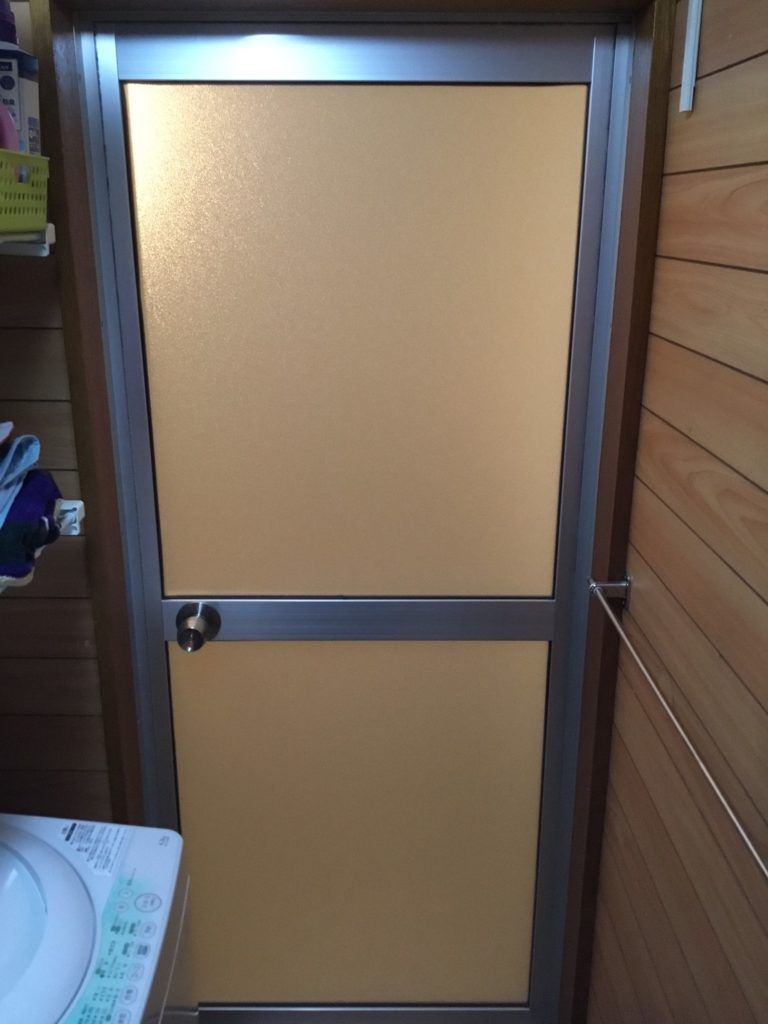 浴室開き戸交換施工後